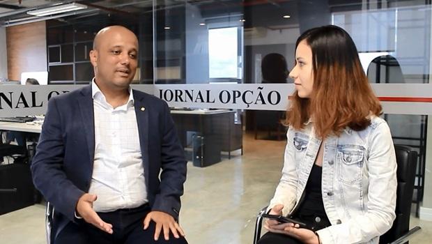 Deputado federal fala sobre processo de fundação do Aliança pelo Brasil em Goiás