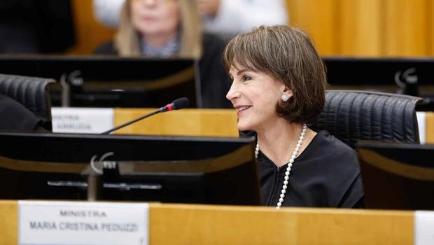 TST empossa primeira presidente mulher após 73 anos