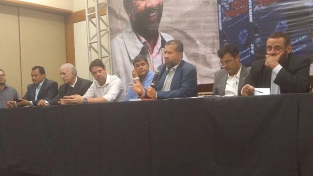 Carlos Lupi diz que busca fortalecer frente democrática