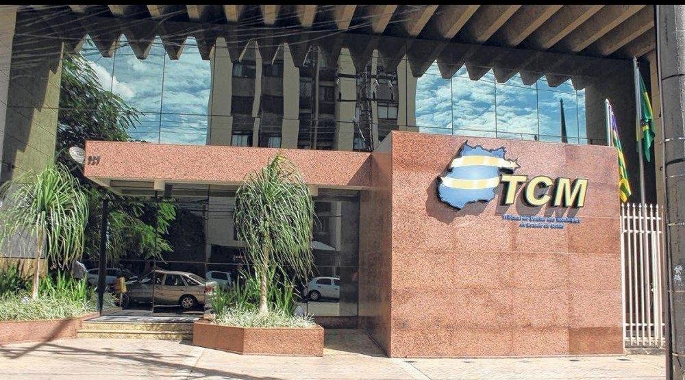 TCM-GO atualiza lista de políticos com contas irregulares