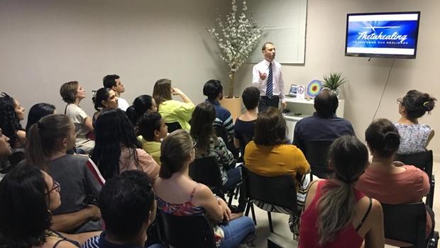 Palestras gratuitas abordam relação entre corpo e emoções, em Goiânia