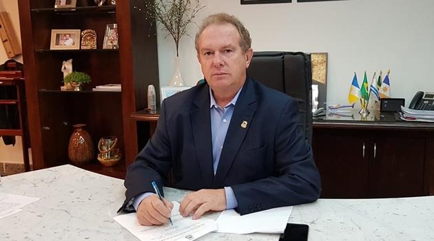 Juristas dizem ser improvável que Carlesse concorra ao governo do Estado em 2022