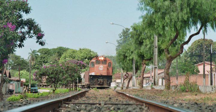 Deputado apresenta projeto de conservação da malha ferroviária de Goiás
