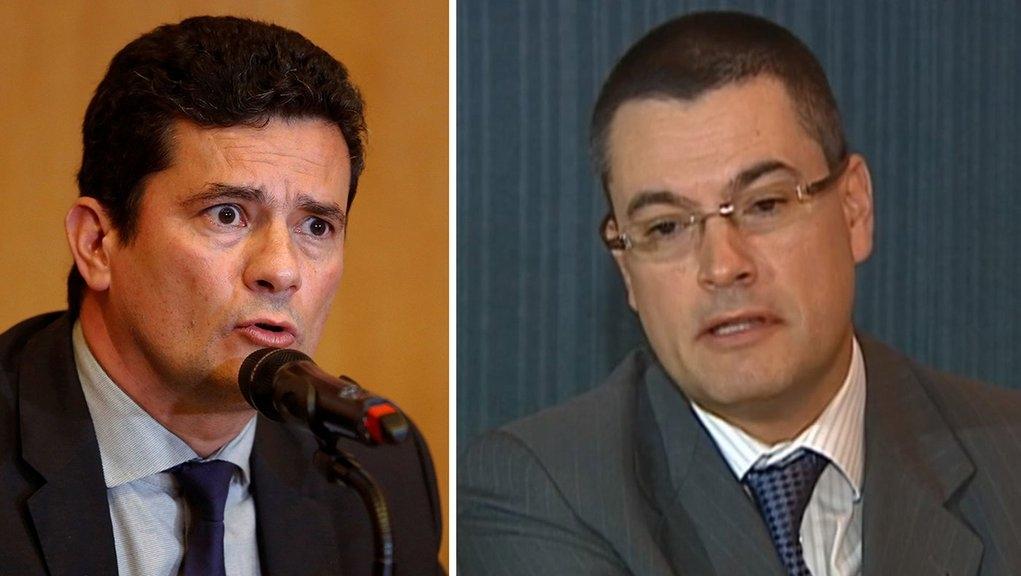 """Bolsonaro exonera diretor-geral da PF. Mas """"a pedido"""""""