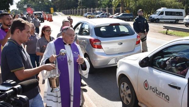 Por conta de pandemia, Arcebispo faz 'bênção das estradas' não presencial