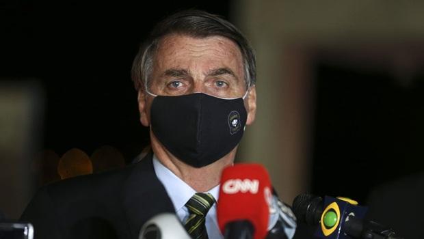 Bolsonaro vê rejeição ao governo aumentar e trabalha mal migração da base com auxílio emergencial