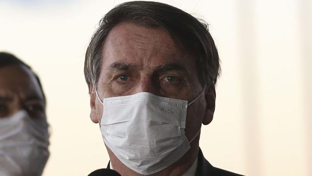 """Bolsonaro diz que não existe tentativa de """"golpe"""" para furar teto de gastos"""