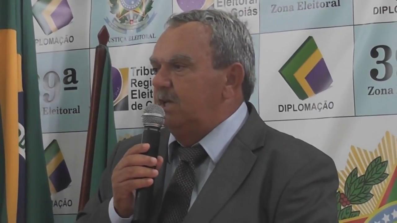 Advogada pede afastamento do prefeito de Itapaci por 180 dias. Ele contesta denúncia