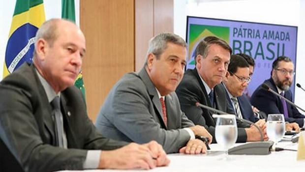 Aliados avaliam que vídeo de reunião ministerial fortalece reeleição de Bolsonaro