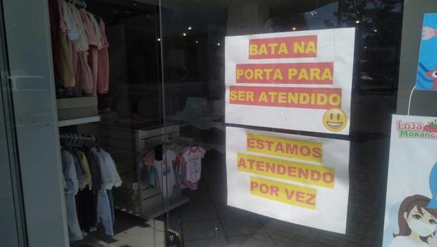 Frente Conservadora realiza ato para abertura do comércio em Goiânia