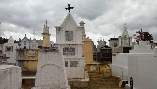 Agentes funerários fazem agenciamento ilegal na porta da Semas, denuncia vereador