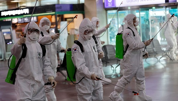 Pessoas contam como é a luta contra a pandemia em diferentes continentes