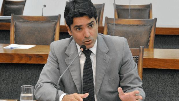 Mudança nas datas das eleições devolve Marcelo Lelis ao jogo