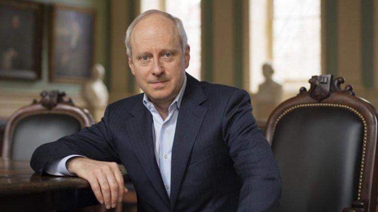 Michael Sandel diz que Judiciário forte é contraponto a políticos autoritários, como Bolsonaro