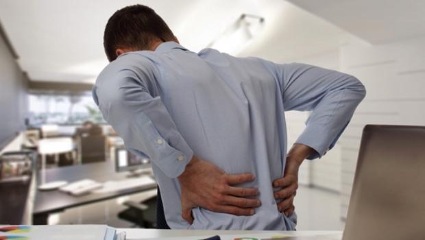 Depois do isolamento, 41% dos brasileiros passaram a sofrer com dores de coluna