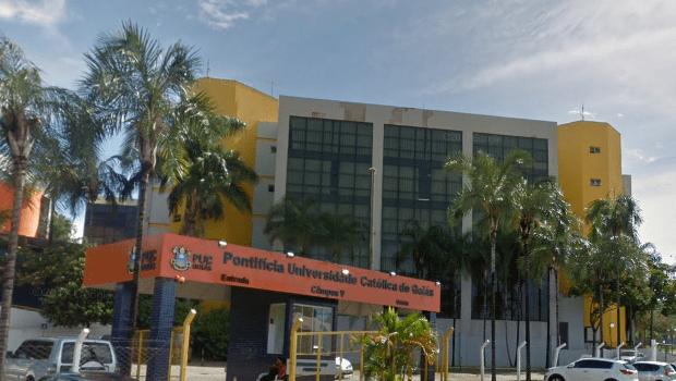 PUC Goiás anuncia retorno presencial das aulas em agosto e levanta polêmica