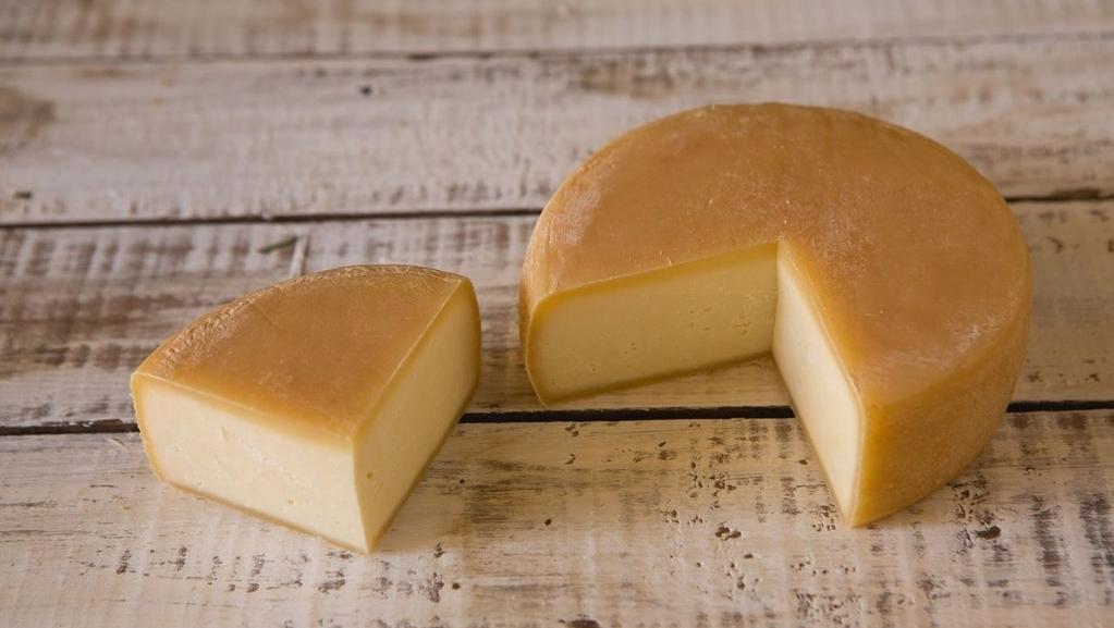 Suíço radicado em Corumbá de Goiás produz excelente queijo Brie