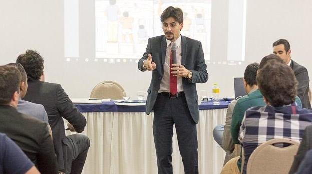 Estudante de Economia de Goiás é selecionado para encontro com o papa na Itália