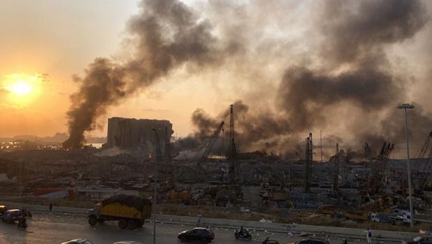 Explosão em Beirute foi provocada por carga parada há sete anos