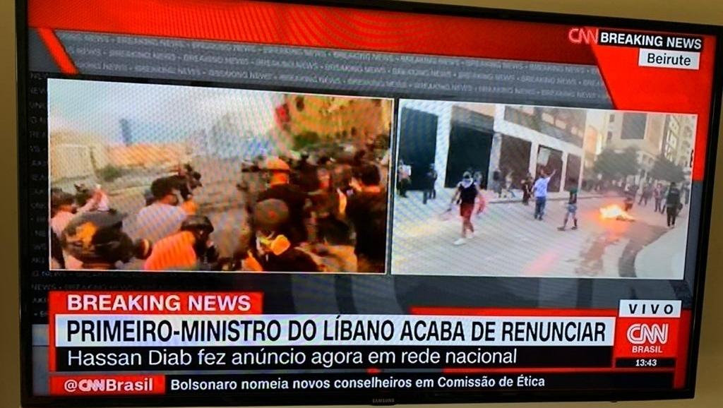 CNN Brasil deu a renúncia do primeiro-ministro do Líbano e a GloboNews comeu poeira