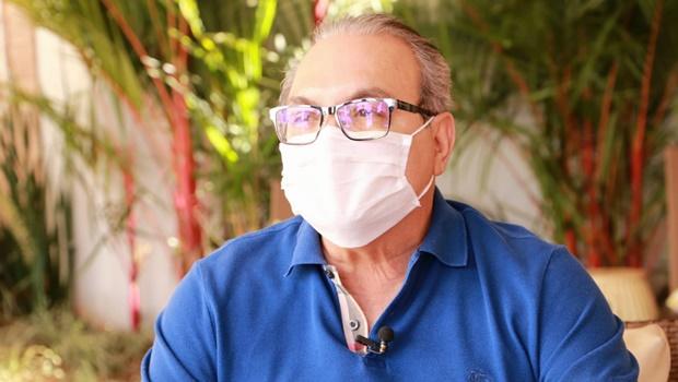 Após sofrer com distúrbio hidroeletrolítico, Jânio Darrot recebe alta da UTI
