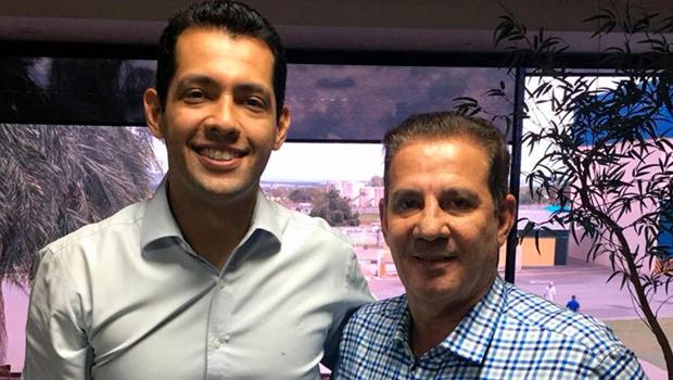 Thiago Albernaz oficializa apoio a Vanderlan Cardoso