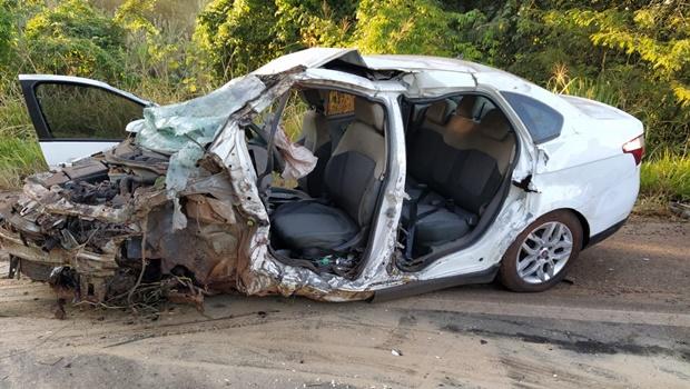 Duas pessoas morrem e três ficam feridas em acidente na BR-153, em Anápolis