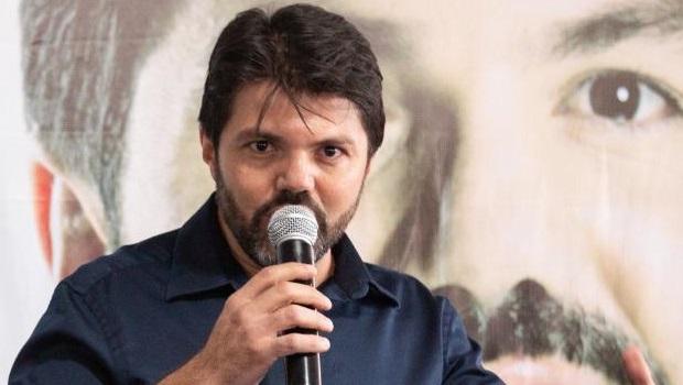 Gomide tenta vice do MDB, mas partido homologa chapa liderada por Márcio Corrêa