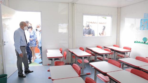 """""""Crianças podem estudar em um ambiente de primeiro mundo"""", diz Iris Rezende sobre salas modulares"""