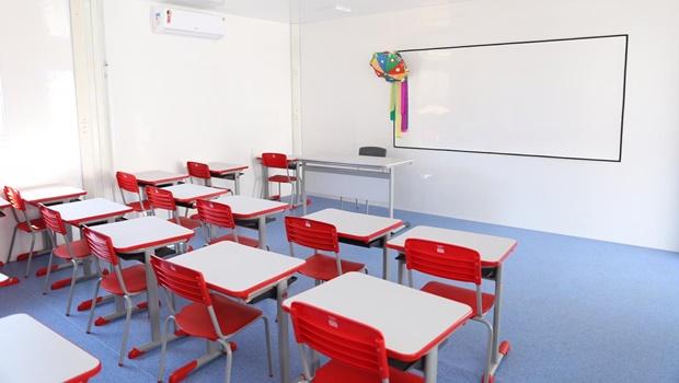 """Rede municipal de ensino inicia ano letivo """"virtual"""" na quinta, 21"""