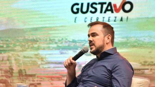 Bem avaliado, Gustavo Mendanha trilha caminho 'fácil' em Aparecida