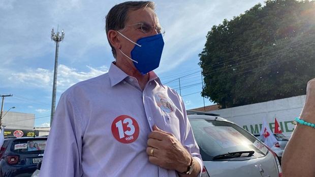 Gomide contesta petistas e garante que não sair do PT