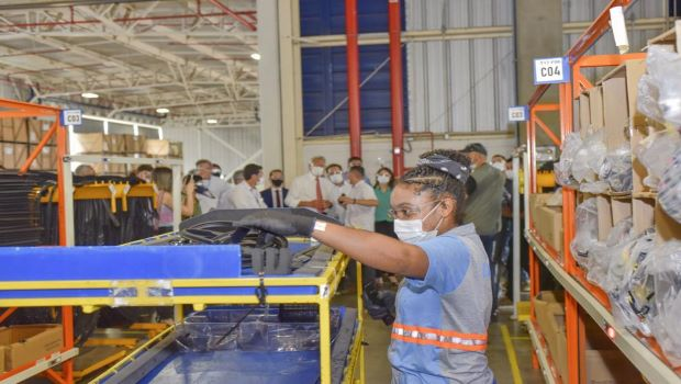 Produtividade do trabalho na indústria cresce 8%, diz CNI