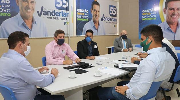 Vanderlan se reúne com representantes da construção e promotores para ouvir demandas