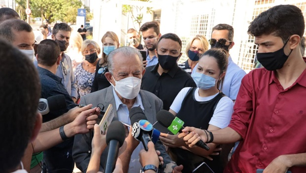 """""""Bom senso não prevaleceu no mundo político"""", diz Iris sobre eleições em meio à pandemia"""