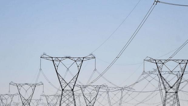 Sem energia desde início do mês, amapaenses deverão ter valor da conta estornado