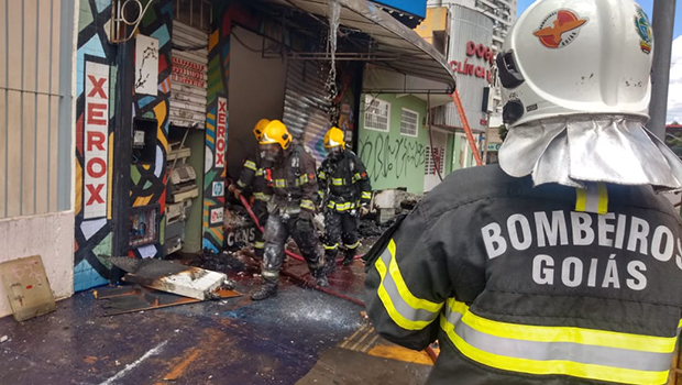 Incêndio é contido em estabelecimento comercial no Centro de Goiânia