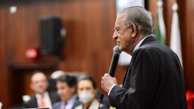 OAB-GO presta homenagem ao prefeito Iris Rezende pela carreira como político e como advogado