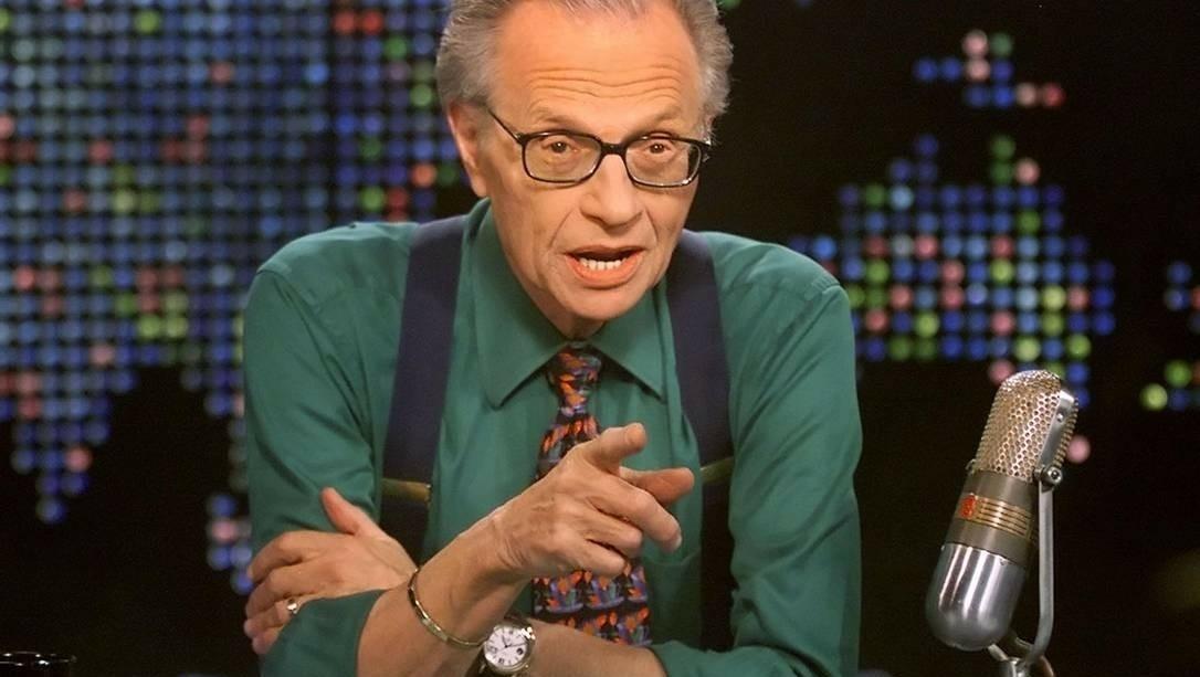 Larry King, rei do talk-show, morre aos 87 anos. Ele teve Covid