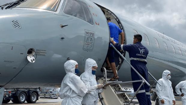 Pacientes de Manaus decolam rumo a Goiânia