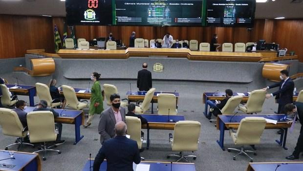 Tensão nos bastidores atrasa formação da base de Rogério na Câmara