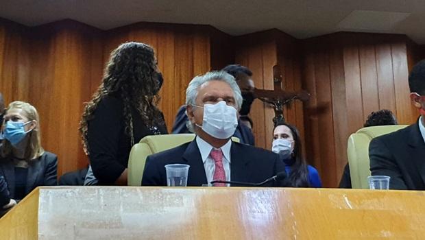 """""""Cabe agora ao prefeito Rogério Cruz uma responsabilidade ímpar"""", diz Caiado em solenidade de posse"""