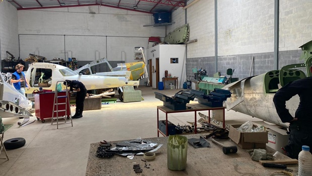 PCGO desarticula complexo esquema de tráfico de drogas e apreende 11 aeronaves em Anápolis