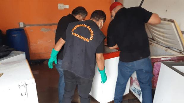 Vigilância Sanitária de Aparecida apreende mais de uma tonelada de carne