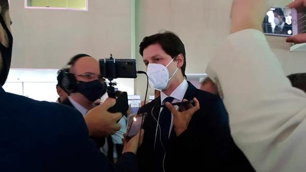 Daniel Vilela comemora a evolução do quadro clínico de Maguito