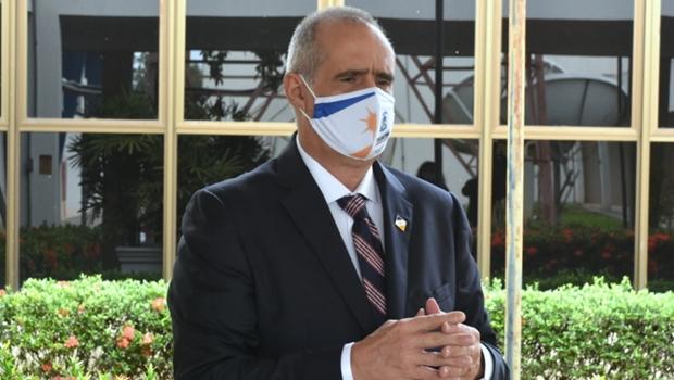 """""""Enfrentamos a pandemia com coragem e determinação e não transferimos nenhum dos nossos pacientes para outros Estados"""""""