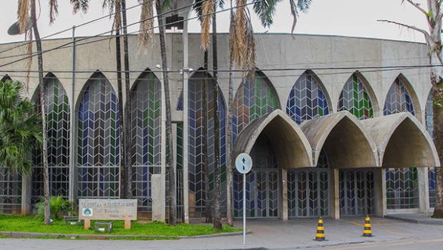 MP-GO pede suspensão da reabertura de igrejas em Goiânia