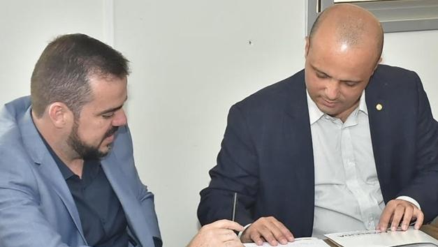 Gustavo Mendanha pode disputar o governo com o apoio de Bolsonaro e Major Vitor Hugo?