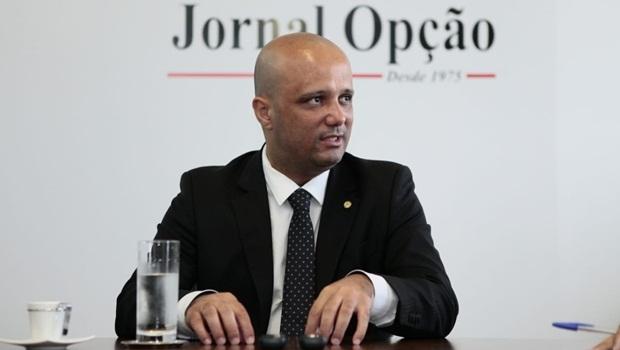 Bolsonaro planeja lançar Major Vitor Hugo para senador