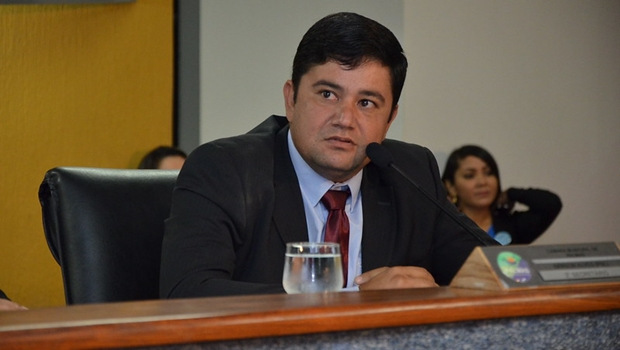 """""""A atual presidente da Câmara não está preparada para comandar o parlamento palmense"""""""